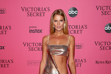 Toni Garrn 2018 Victoria's Secret Fashion Show in New York - After Party Arrivals