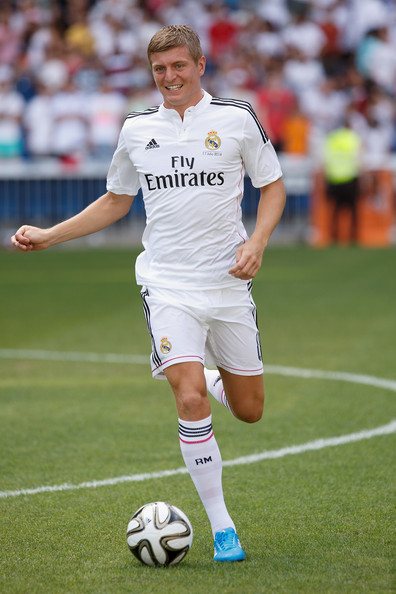 Toni Kroos Photos Photos - Toni Kroos Officially Unveiled at Real ... c1224368a