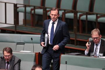 Tony Abbott Labor Criticizes Malcolm Turnbull Over AFP Raids on Union Offices