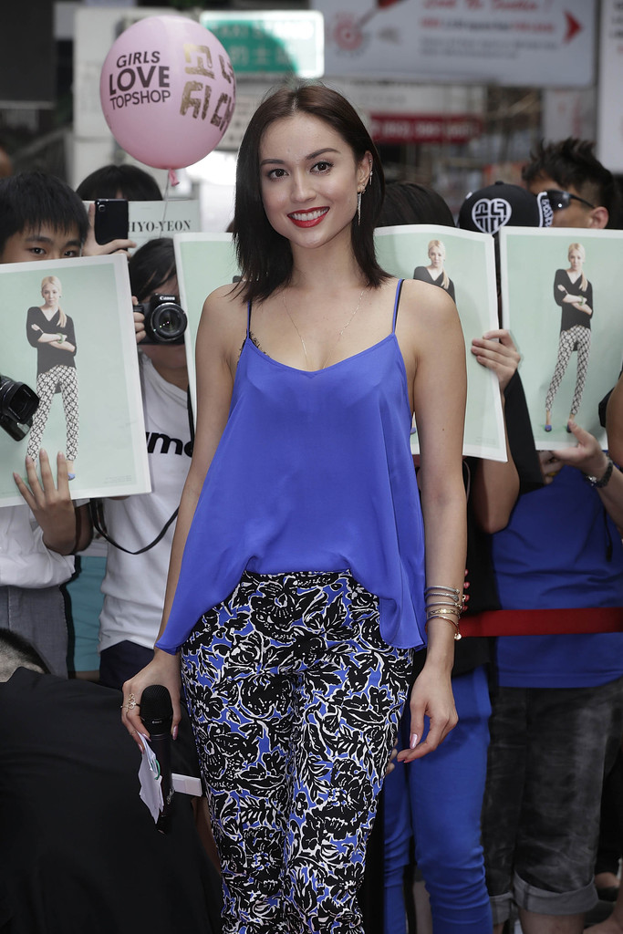 Mandy Lieu Photos Photos Topshop Flagship Store Opens In