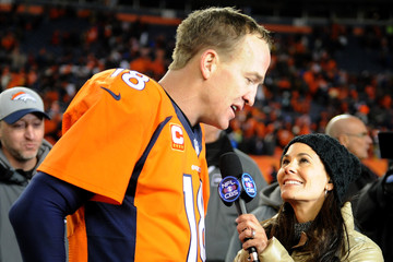 Tracy Wolfson Divisional Round - Pittsburgh Steelers v Denver Broncos