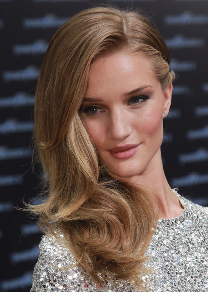 "Actress Rosie Huntington-Whiteley attends the ""Transformers 3"" European premiere on June 25, 2011 in Berlin, Germany."
