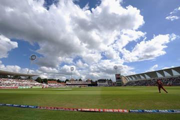 Trent Bridge Nottinghamshire Outlaws v Lancashire Lightning - Friends Life T20