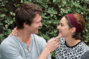 """Actors  Ansel Elgort (L) and Shailene Woodley attends the Twentieth Century Fox Home Entertainment's """"The Fault In Our Stars"""" Reunion And Bench Dedication Ceremony at Fox Studio Lot on November 20, 2014 in Century City, California."""