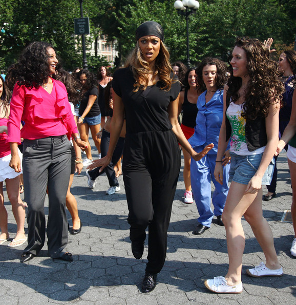 Tyra Banks Participates In A Dance Flash Mob In Union