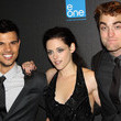 https://www2.pictures.zimbio.com/gi/UK+Premiere+Breaking+Dawn+kPSsF0ArB8dc.jpg