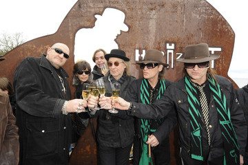 Eddy Kante Udo Lindenberg Sculpture Is Unveiled At Timmendorfer Strand