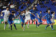 Dejan Damjanovic of Suwon Samsung Bluewings and Kang Min-soo of Ulsan Hyndai compete for the ball during the AFC Champions League Round of 16 first leg match between Ulsan Hyundai and Suwon Samsung Bluewings at Ulsan Munsu Stadium on May 9, 2018 in Ulsan, South Korea.