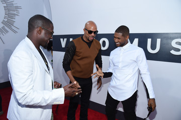 Usher Arrivals at the MTV Video Music Awards — Part 2