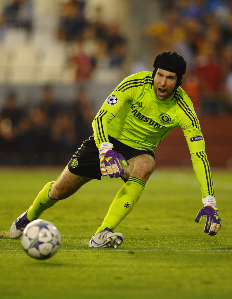 Arsenal sign Chelsea goalkeeper Petr Cech, says report ...  |Petr Cech Chelsea Save