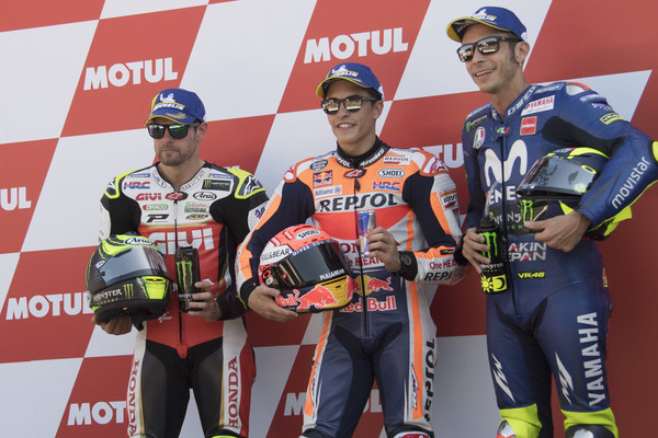 MotoGP Netherlands - Qualifying [motorcycle racer,technology,electronic device,motorsport,sports,grand prix motorcycle racing,vehicle,racing,cal crutchlow,valentino rossi,qualifying,movistar yamaha motogp,l-r,motogp netherlands,great britain,italy,lcr honda,end]