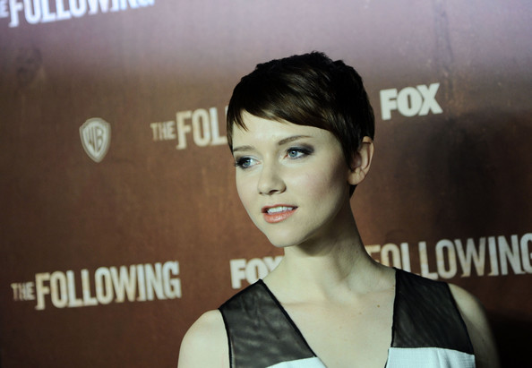 Valorie Curry age