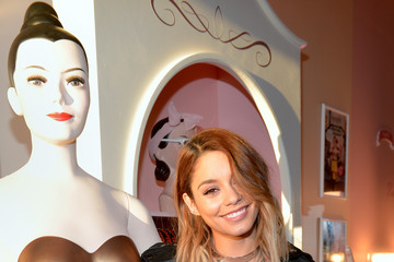 Vanessa Hudgens Benefit Cosmetics And Vanessa Hudgens Kick-Off National Wing Women Weekend