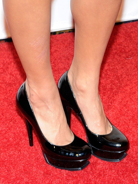 Vanessa Hudgens Actress Vanessa Hudgens (shoe detail) arrives at the Pure Nightclub at Caesars Palace to celebrate her birthday December 18, 2010 in Las Vegas, Nevada. Hudgens turned 22 on December 14.