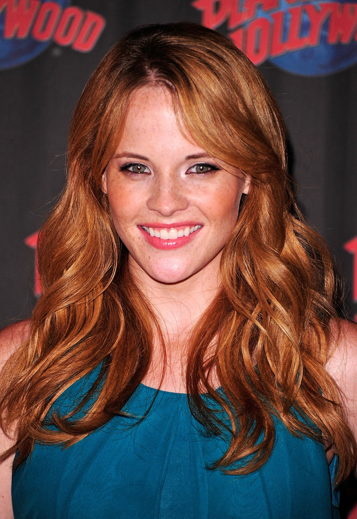 Katie Leclerc party massage