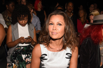 Vanessa Williams Carmen Marc Valvo Women's and Men's Collection S/S 2016 - Front Row