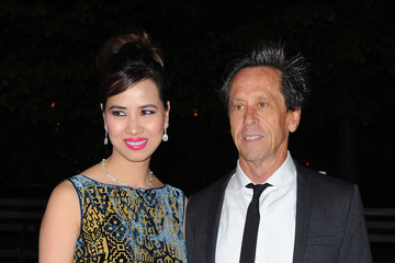 Brian Grazer Chau-giang Thi Nguyen Vanity Fair Party At The 2011 Tribeca Film Festival