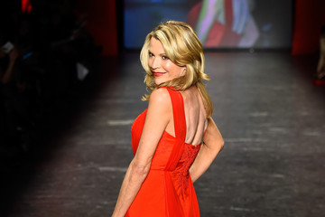 Vanna White The American Heart Association's Go Red For Women Red Dress Collection 2016 Presented By Macy's - Runway