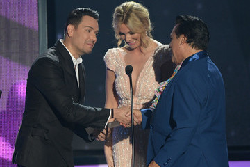 Victor Manuelle Billboard Latin Music Awards - Show