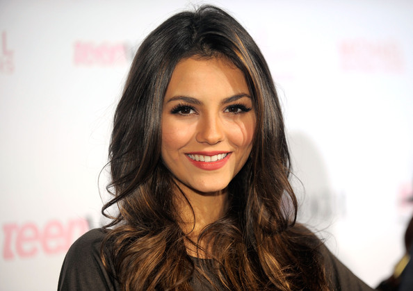 Victoria Justice Actress Victoria Justice arrives at The 8th Annual Teen