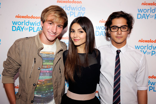 avan jogia dating victoria justice 2011 Part 2 of james maslow & victoria justice love stories copillation language: english in another universe, liz gillies is secretly dating avan jogia.