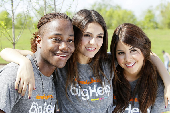 Victoria Justice (L-R) Stars of Nickelodeon's 'Victorius' Leon Thomas, Victoria Justice and Daniella Monet team up for local restoration project in St. Bernard Parish at Docville Property on April 8, 2011 in Violet, Louisiana.
