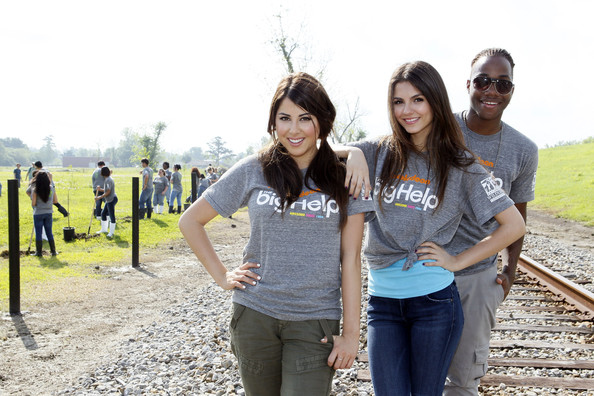 Victoria Justice (L-R) Daniella Monet, Victoria Justice and Leon Thomas team up for local restoration project in St. Bernard Parish at Docville Property on April 8, 2011 in Violet, Louisiana.