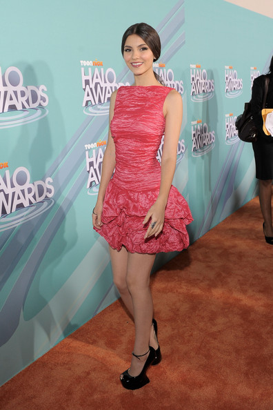 Victoria Justice Actress Victoria Justice arrives at the Nickelodeon's 2011 TeenNick HALO Awards held at the Hollywood Palladium on October 26, 2011 in Hollywood, California. The show premieres on Sunday, Nov.7th at 9:00p.m. (ET) on Nick at Night.