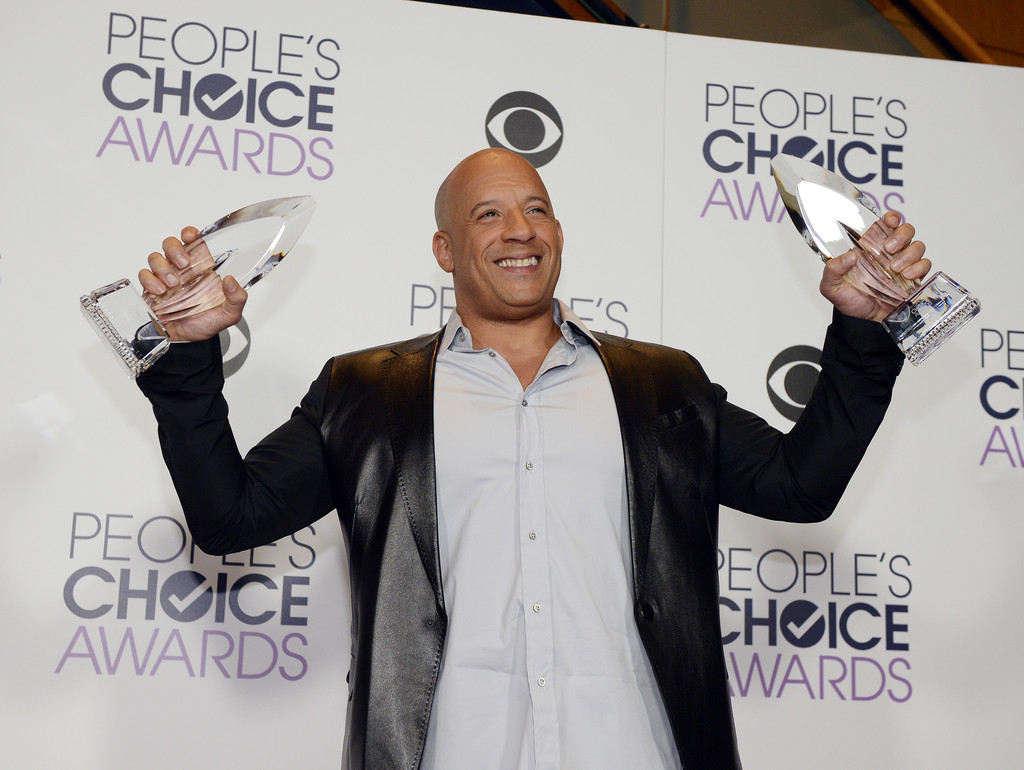 http://www2.pictures.zimbio.com/gi/Vin+Diesel+People+Choice+Awards+2016+Press+cVese-vTopDx.jpg