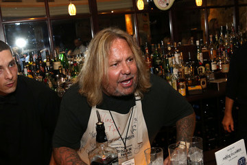 Vince Neil 16th Annual Waiting for Wishes Celebrity Dinner Hosted by Kevin Carter & Jay DeMarcus