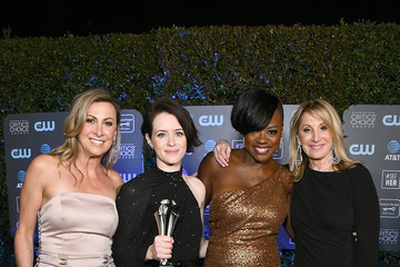 Viola Davis Claire Foy Accepts The #SeeHer Award At The 24th Annual Critics' Choice Awards