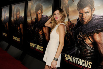 "Viva Bianca Premiere Of Starz's ""Spartacus: War Of The Damned"" - Red Carpet"