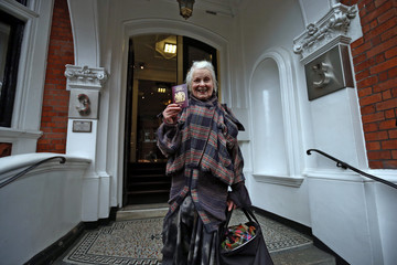 Vivienne Westwood UN Panel Rule That Wikileaks Founder Is Unlawfully Detained At Ecuadorian Embassy