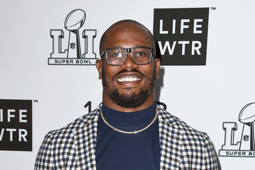 Von Miller LIFEWTR Art After Dark - Red Carpet Arrivals