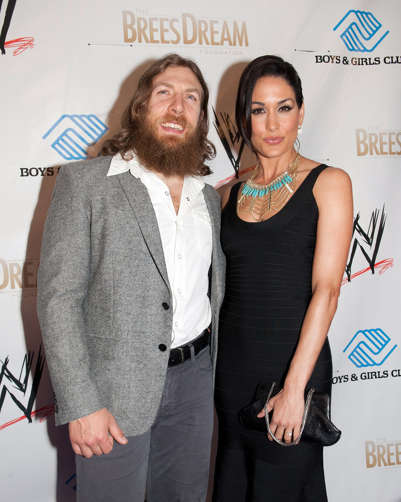 wwe superstars dating 2014 Anytime wwe presents a pay-per-view as  wwe summerslam 2014 wwe summerslam 2014: superstars who will  dating.