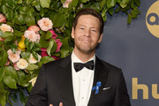 Ike Barinholtz Photos Photo