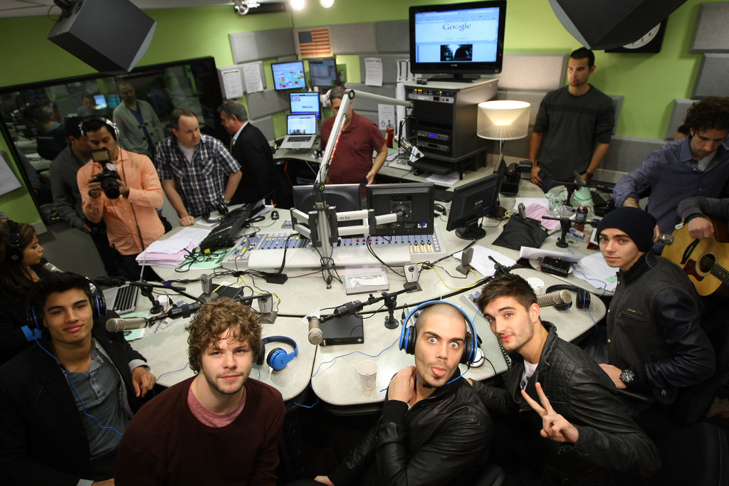 The wanted visits elvis duran s z100 morning show pictures