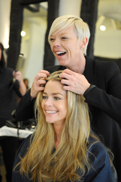 denise richards getting her hair done warren tricomi