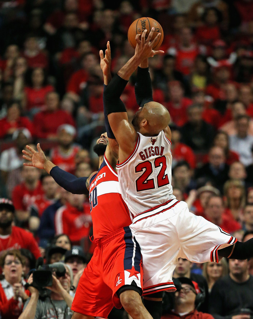 Taj Gibson Drew Gooden s Washington Wizards v Chicago Bulls