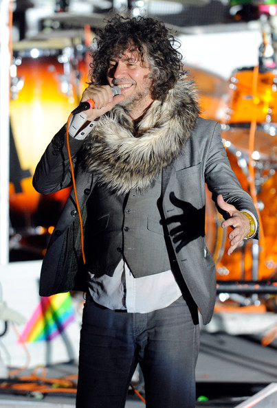 Wayne coyne pictures the flaming lips in concert at the for Show zfs pool