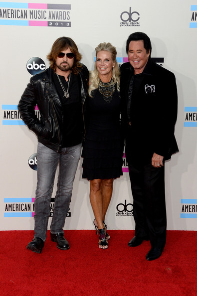 Arrivals at the American Music Awards — Part 3 [red carpet,carpet,event,premiere,flooring,arrivals,billy ray cyrus,wayne newton,kathleen mccrone,american music awards,l-r,california,los angeles,nokia theatre l.a. live]