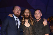 He looks tall next to Jared Leto and his brother. - Leonardo DiCaprio's Celebrity Friends
