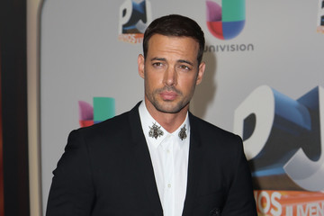 http://www2.pictures.zimbio.com/gi/William+Levy+gELK1oXIlM_m.jpg