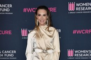 Elizabeth Chambers attends The Women's Cancer Research Fund's 'An Unforgettable Evening' at Beverly Wilshire, A Four Seasons Hotel on February 27, 2020 in Beverly Hills, California.