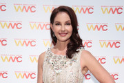 Ashley Judd, winner of the WMC Speaking Truth To Power Award poses backstage at the Women's Media Center 2017 Women's Media Awards at Capitale on October 26, 2017 in New York City.