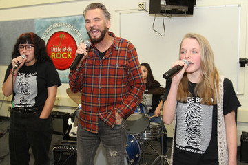 Woodrow Wilson Rock Luminary Kenny Loggins to Help Kids 'Tear Up This Town' With Brand New Instruments