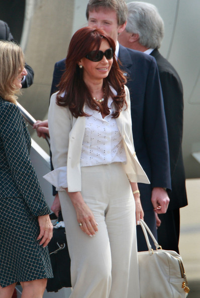 Cristina Fernandez de Kirchner Cristina Fernandez de Kirchner, President of Argentina, arrives for the G-20 Pittsburgh Summit at the Pittsburgh International Airport September 24, 2009 in Coraopolis, Pennsylvania. Heads of state from the world's leading economic powers are scheduled to arrive in Pittsburgh for the summit which takes place September 24 and 25.