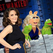 Tina Fey Hangs Out with the Muppets