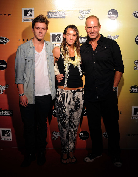Xavier Samuel Xavier Samuel (Twilight), Shami Vinson (Step Up 3D) and Martin Sacks (Sea Paatrol) arrives at the MTV Summer Party at Wet N Wild on November 18, 2010 in Brisbane, Australia.