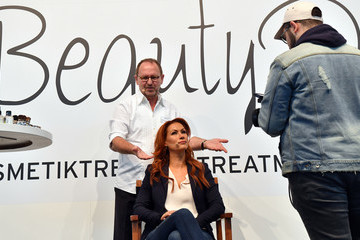 Yasmina Filali Bunte Beauty Days in Munich